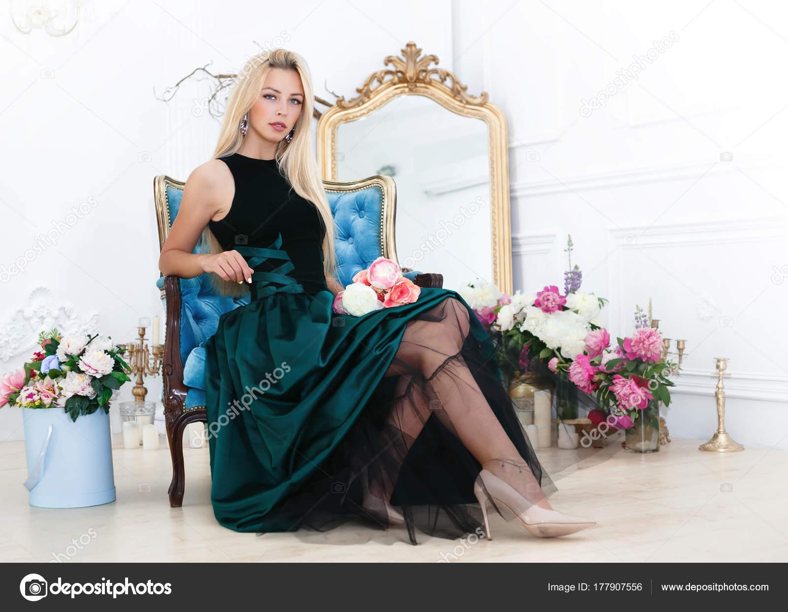 Señora Mujer Young Sentada Posando Sillón Hermosa Vintage Princess nS6Fqx7H