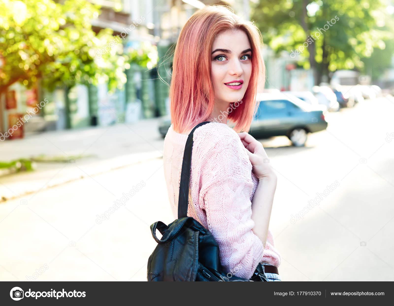 Funny Cool Cute Beautiful Hipster Girl Walking Street Bright Casual ... 13359ec4e7d8f