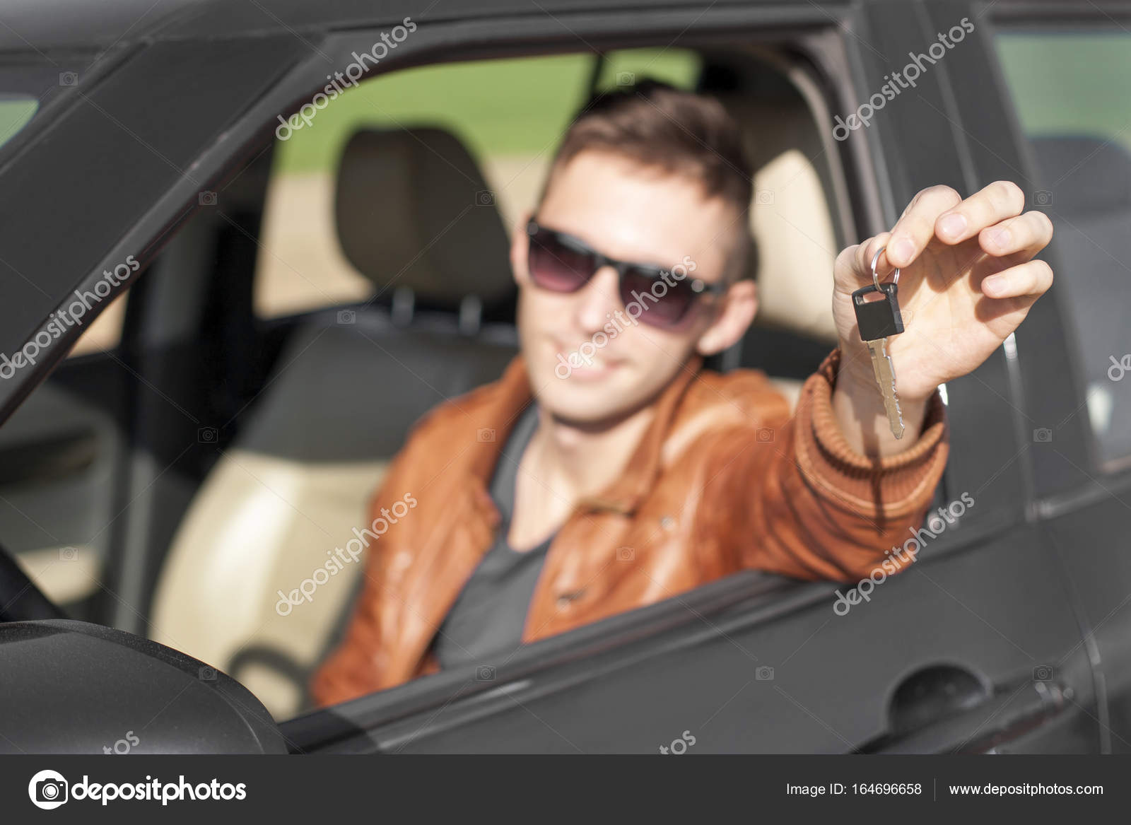 Delicieux Young Man In Car Showing Keys U2014 Stock Photo #164696658