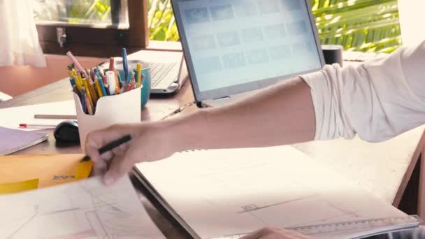Kreatives Design Männer entwickeln Ideen und suchen laptop