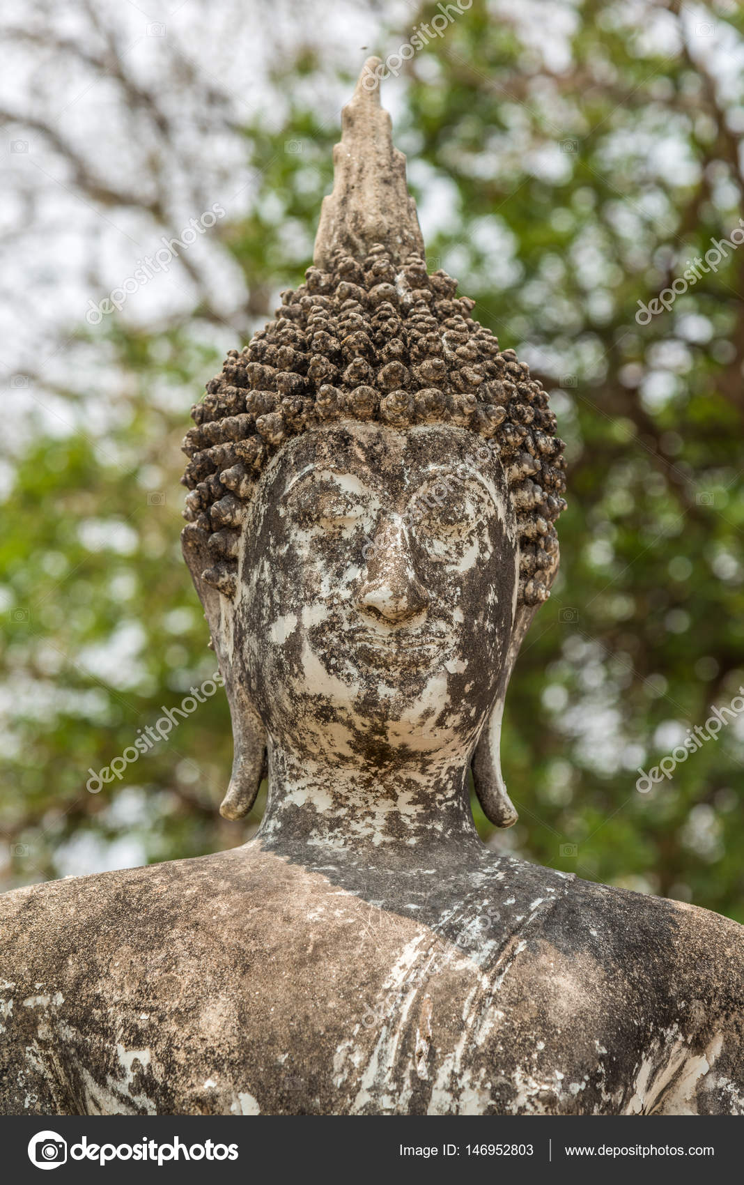 Boeddha Beeld Beton.Oude Betonnen Boeddha Beeld Stockfoto C Goldquest 146952803
