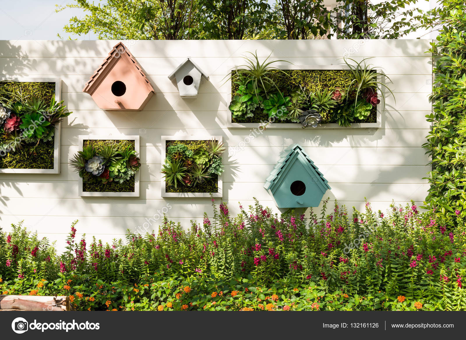 Muur Ideeen Tuin : Gedecoreerde muur verticale tuin achtergrond u2014 stockfoto