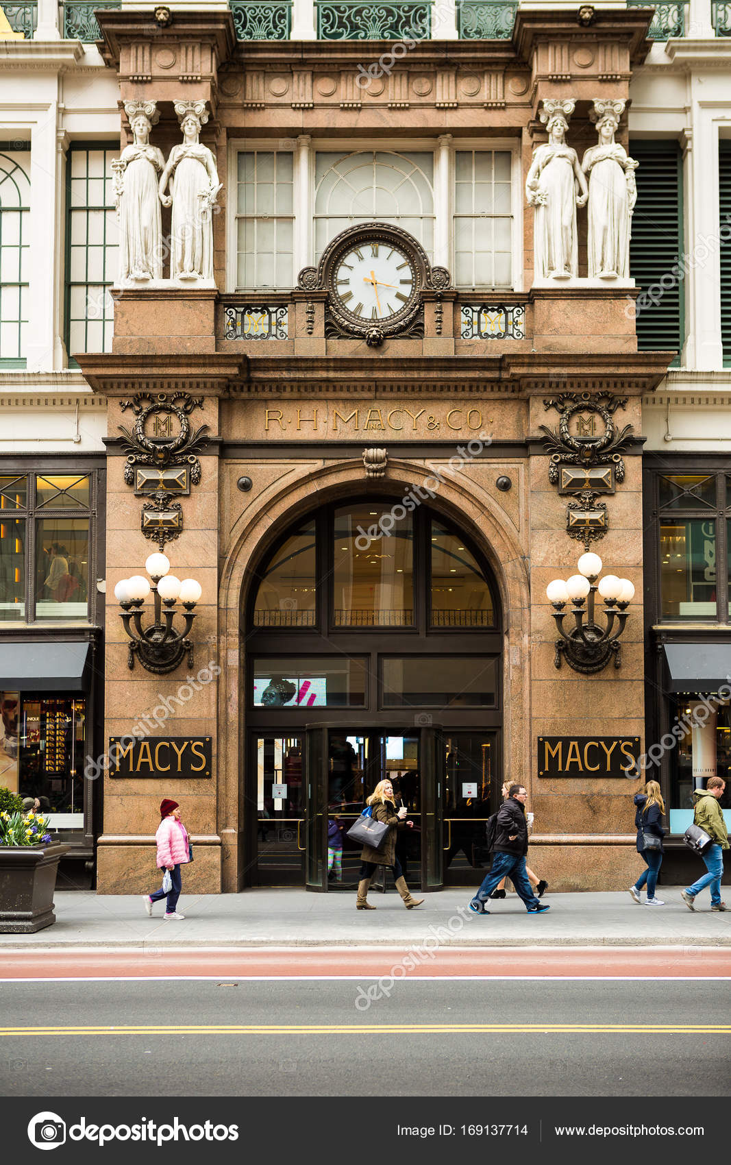 Macy\'s , Manhattan, NYC. – Stock Editorial Photo © willbrasil21 ...