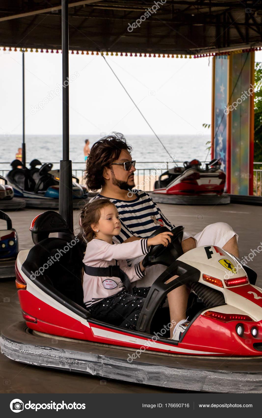 Philipp Kirkorov mit Kindern auf Urlaub bulgaria.varna.10.12.2017 ...