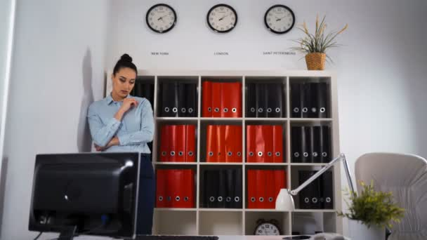 Pretty woman create new ideas in office