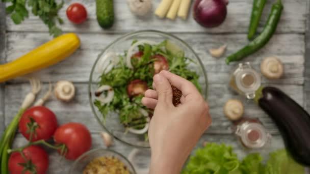 Ovocný salát s kořením