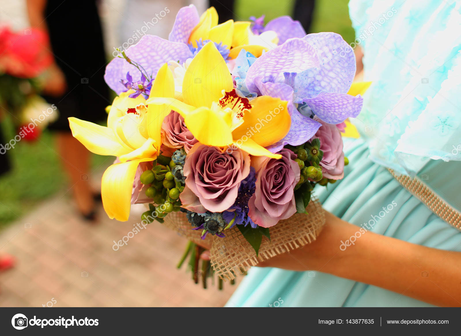 Bride holding beautiful flower bouquet — Stock Photo © contact ...