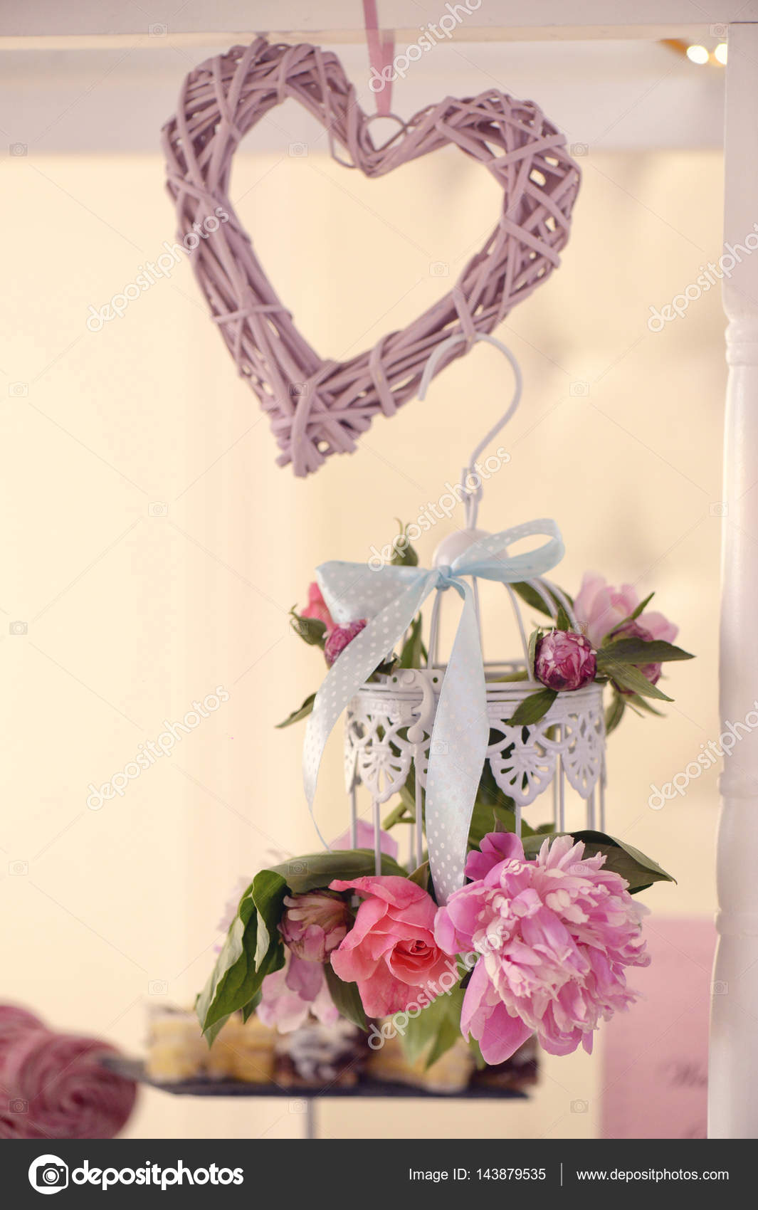 Cœur Fleurs Et Decoration De Mariage Photographie Contact