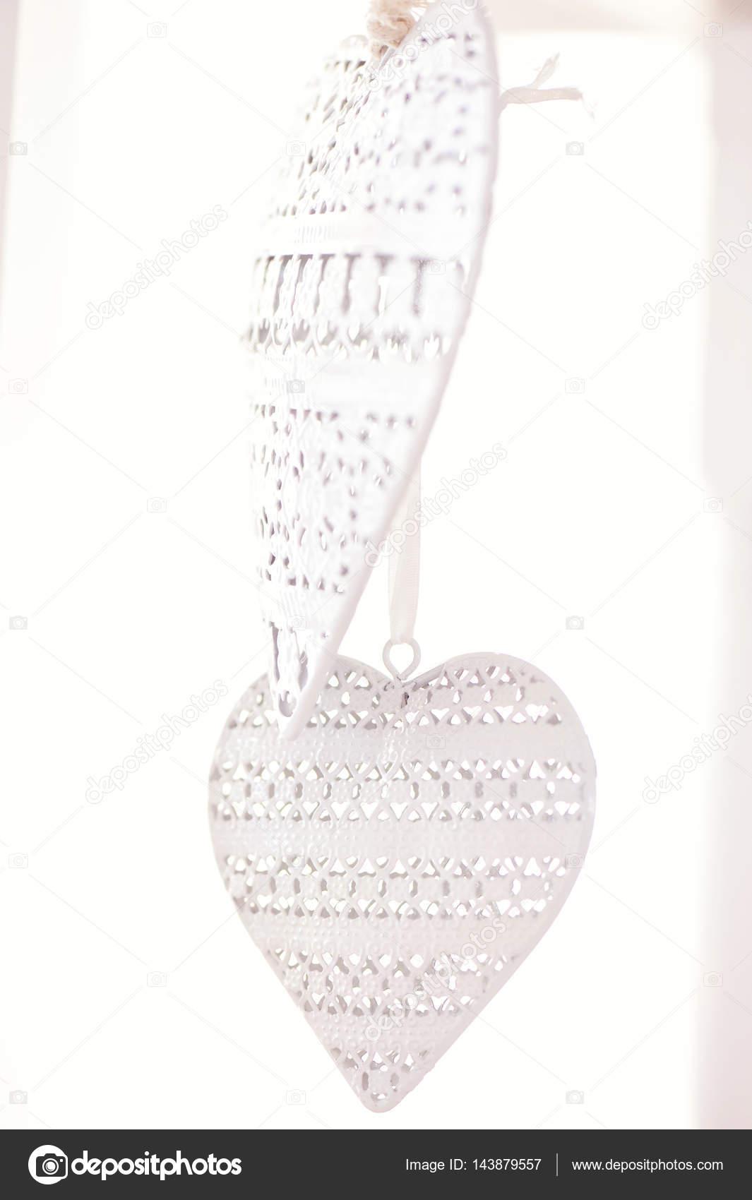 Großzügig Two Hearts Wedding Theme Galerie - Brautkleider Ideen ...