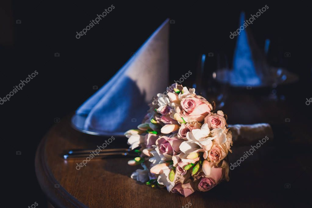 bride bouquet of flowers