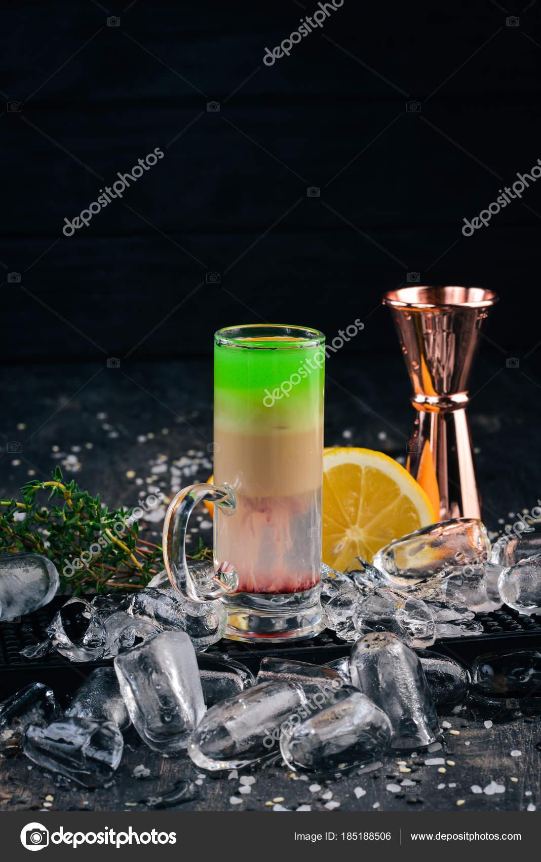 Алкогольные коктейли из ликера самбука