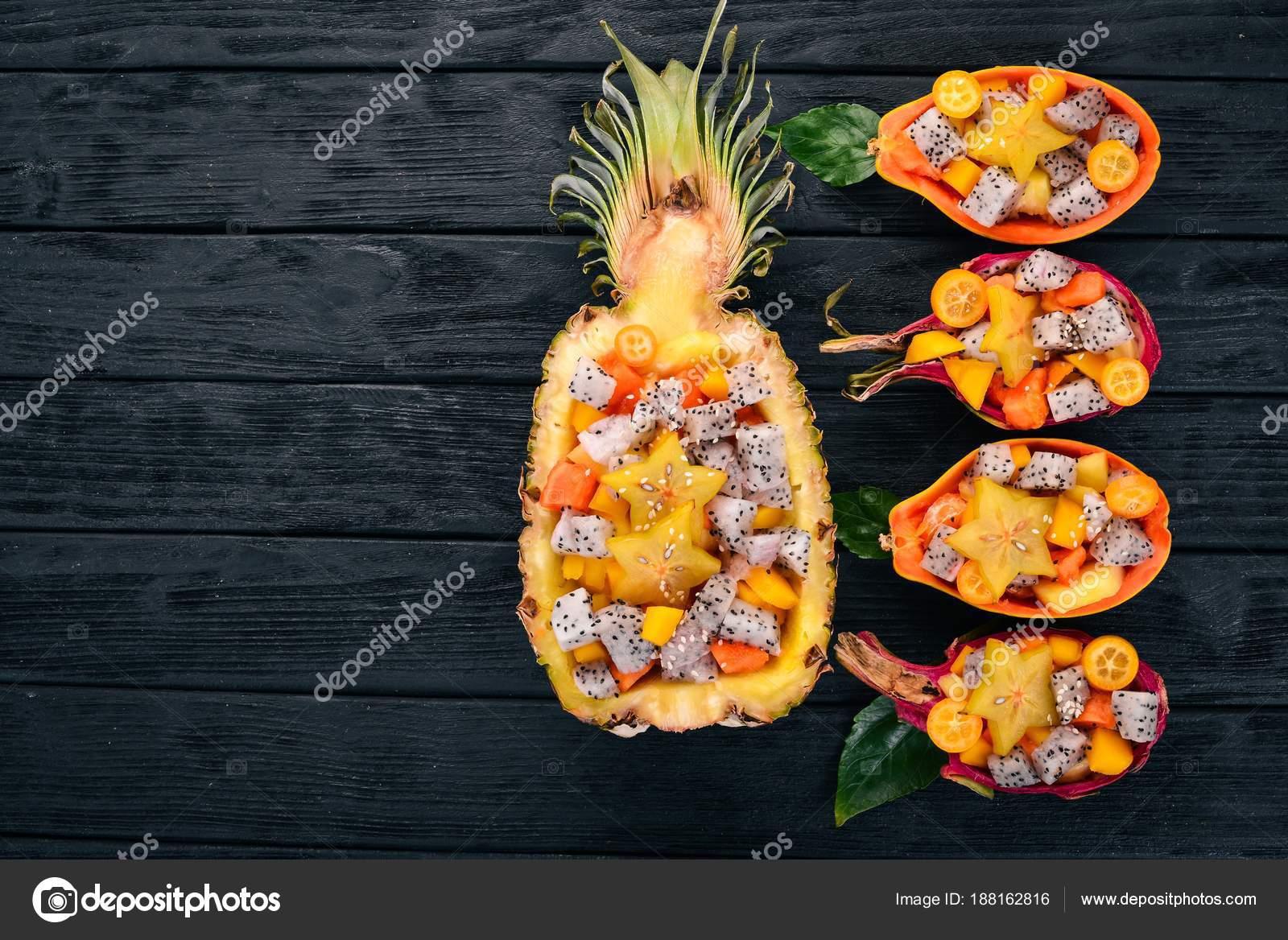 Салат с рисом и экзотическими фруктами