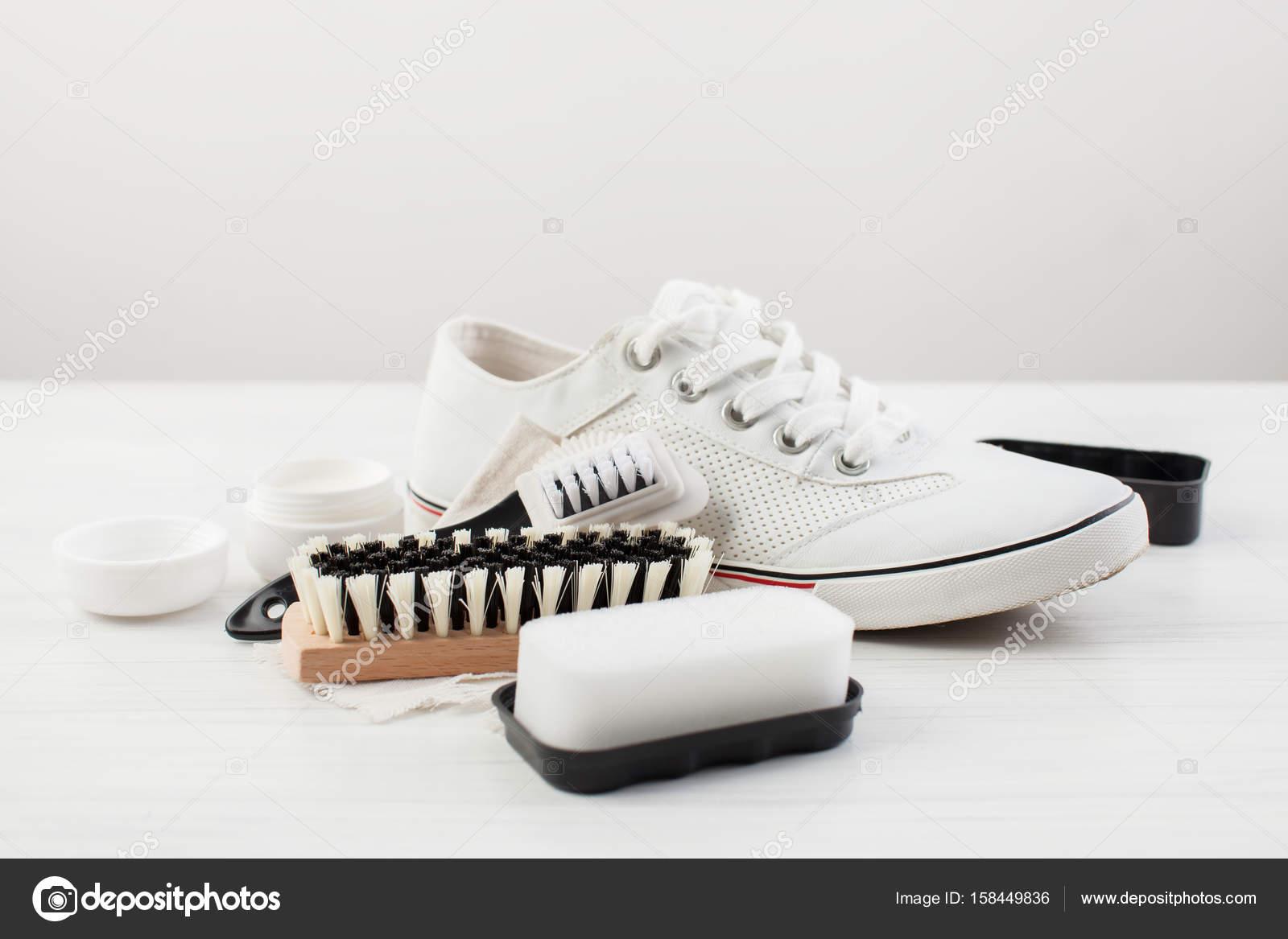 Op Schoenen En — © Damesschoenen Zorg Ekramar Witte Wit Stockfoto 3l1JKcTF