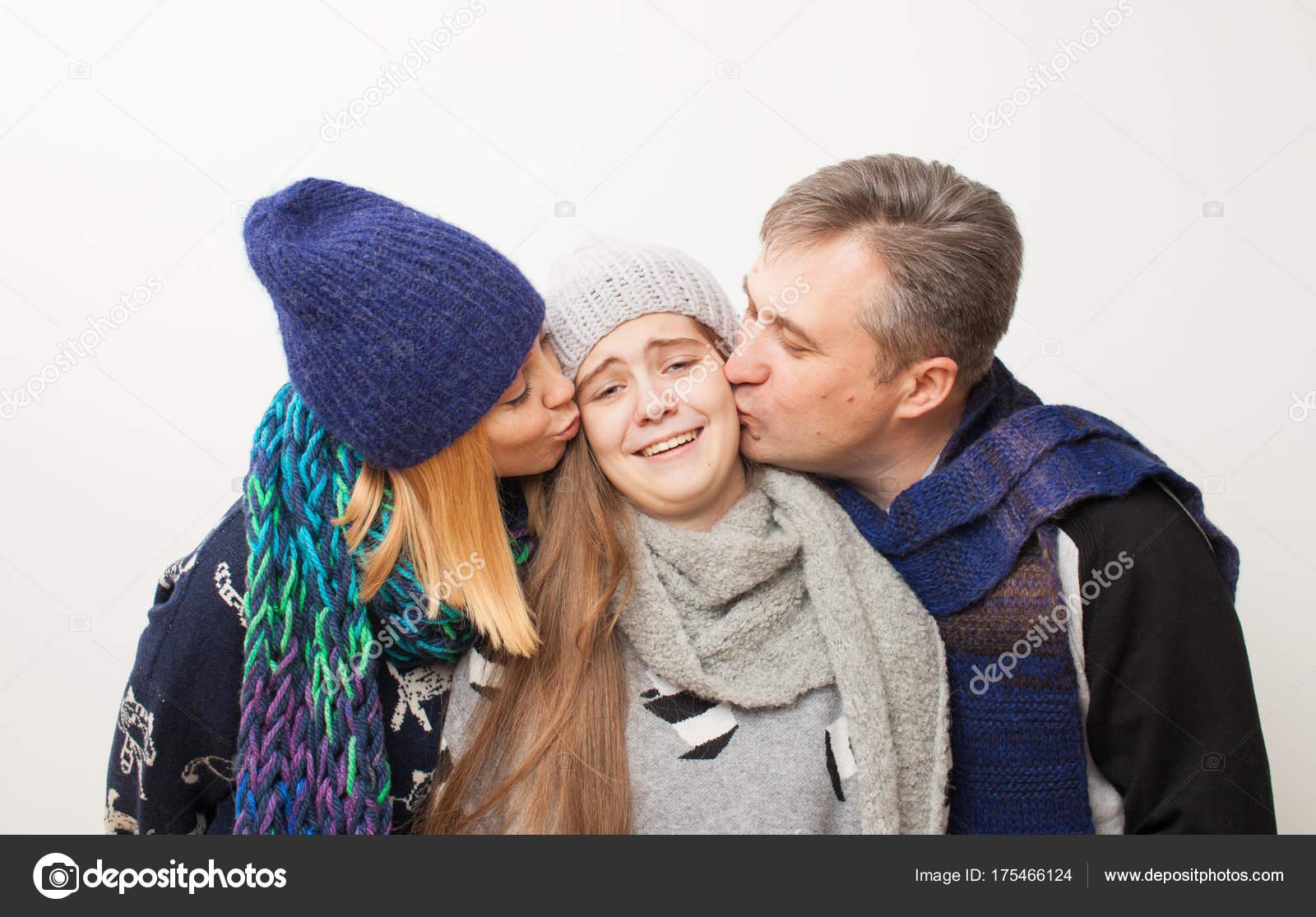 Easyjet). tutte e tre le soluzioni offrono un soggiorno perfetto per genitori e per adolescenti :) Mi date qualche consiglio ?