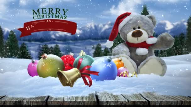 Bilder Weihnachten Animiert.Frohe Weihnachten Land Tragen Im Schnee 4k Verfügt über Ein Ausgestopfter Bär Sitzend Mit Christbaumschmuck Von Einem Holz Bürgersteig Mit Einem Pinienwald Und Berge Im Hintergrund Mit Schnee