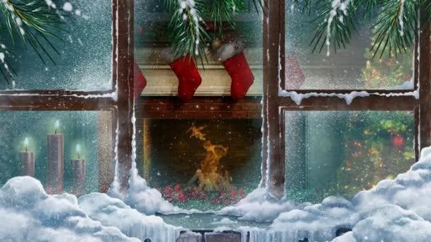 Vánoční krb Oknem se sněhem 4k Loop nabízí výhled z venku mráz a zasněžené okno do místnosti s krbem a svíčky s blikajícím ohněm ve smyčce
