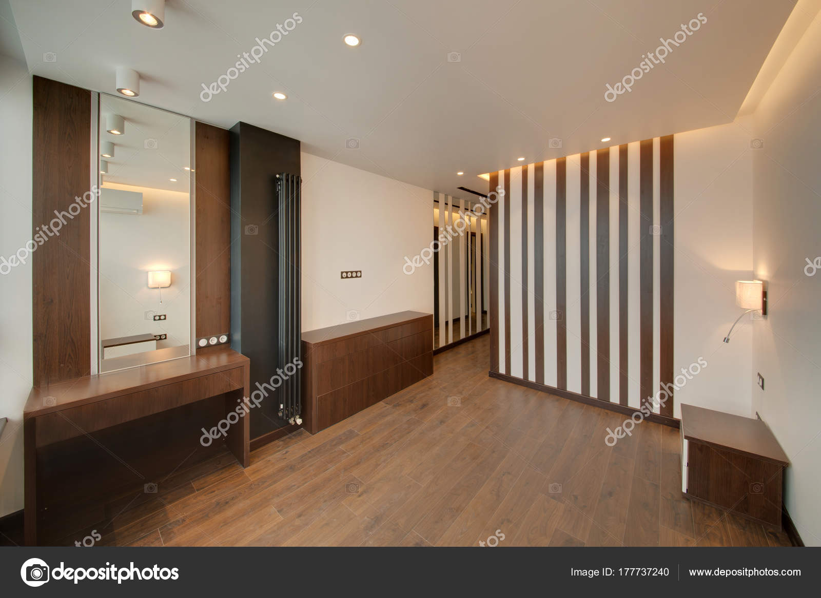 Das Schlafzimmer Braunen Tönen Mit Hellen Wänden Und Ein Dunkler