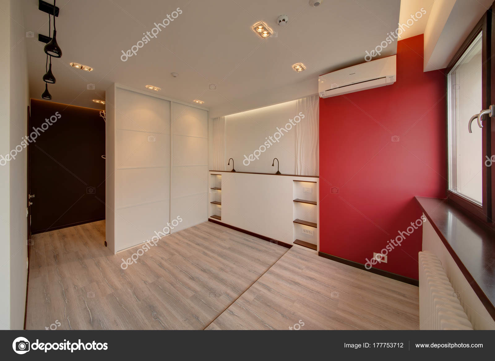 stunning chambre mur rouge et blanc contemporary house design. Black Bedroom Furniture Sets. Home Design Ideas