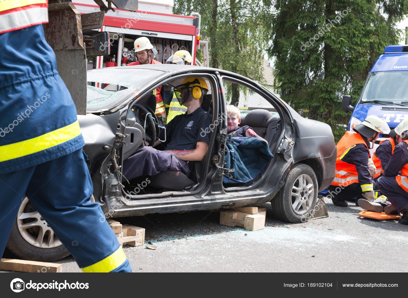 Traffic accident – Stock Editorial Photo © aBeya #189102104