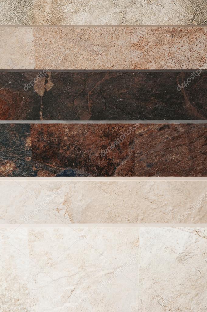 Stock piastrelle bagno elegant bagno rivestito di piastrelle grigie vasca e lavandino tonica u - Stock piastrelle milano ...