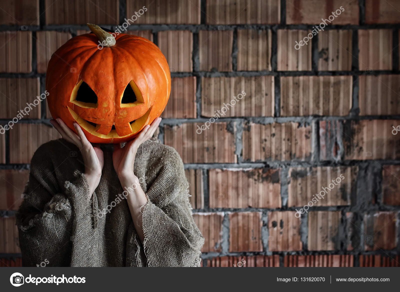 pumpkin head monster sign hand space halloween — stock photo