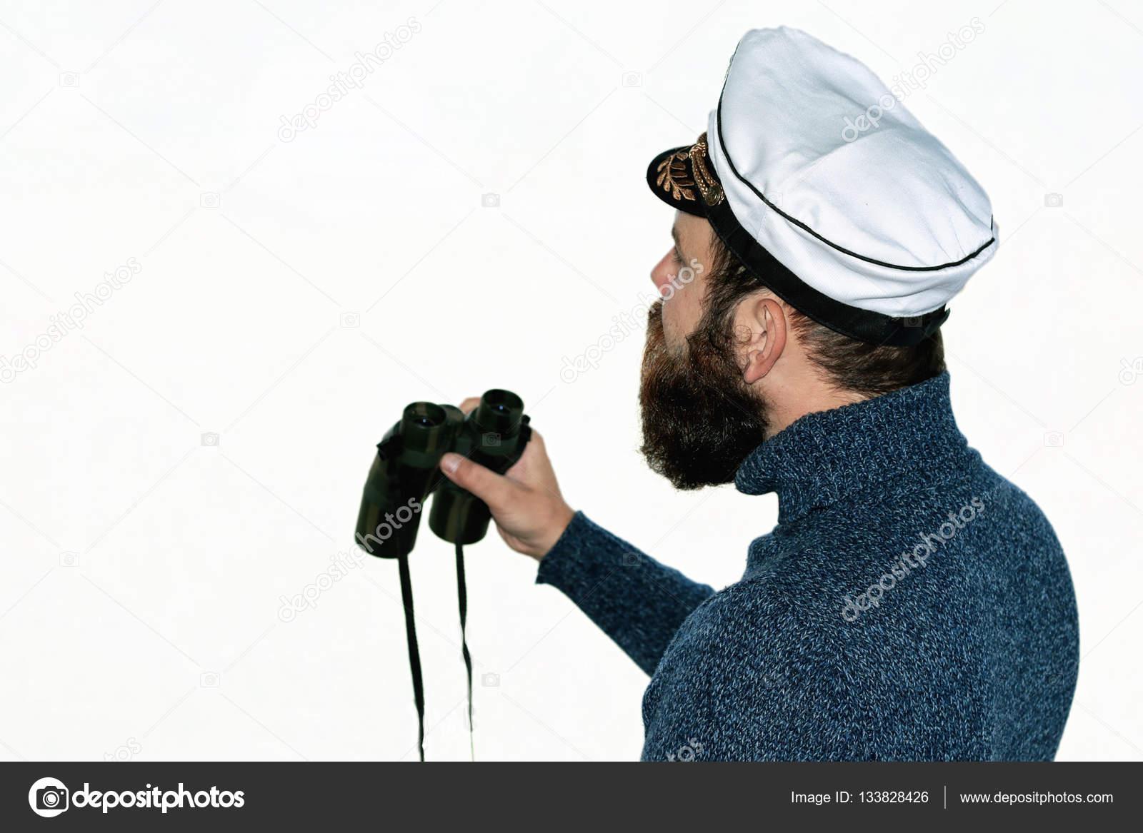 d8606bed5f90b Hombre marinero en el casquillo del sombrero del aislado de la barba — Foto  de Stock