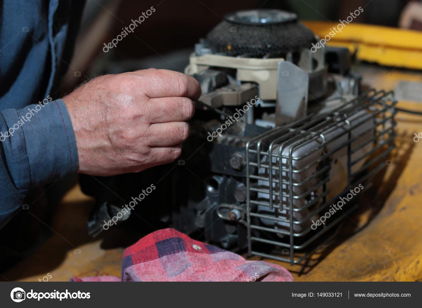 Çim biçme makinesi kendi elleriyle nasıl kullanılır