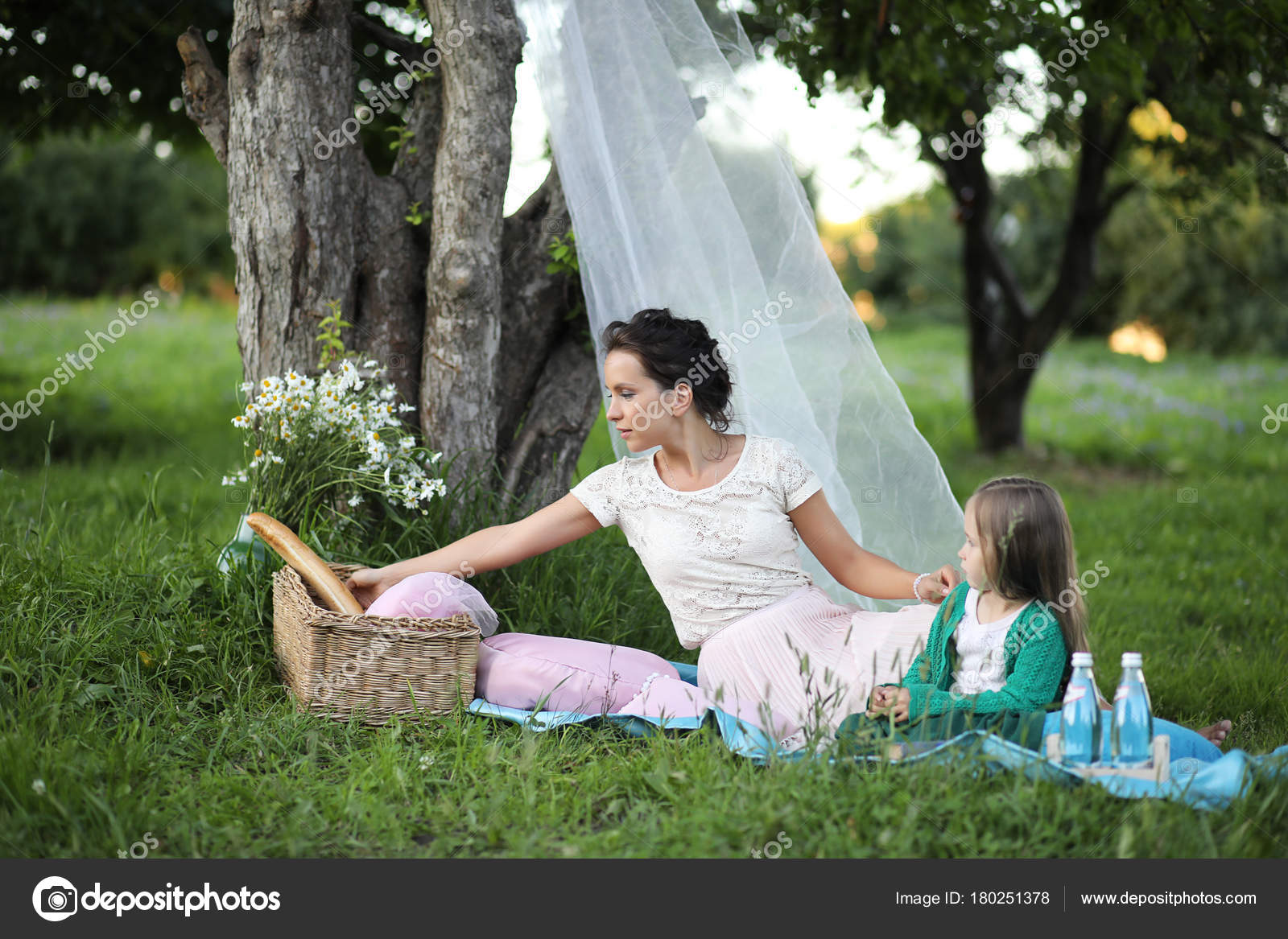 Читать на даче с дочкой, У подруги на даче » Эротические порно рассказы и секс 17 фотография