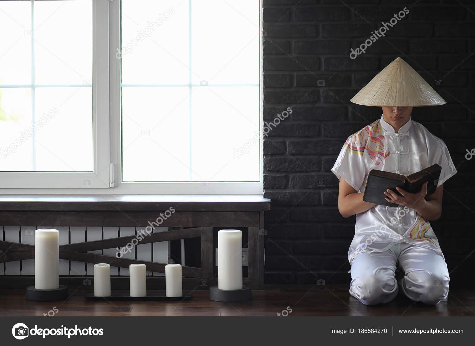 Weiße frauen, die asiatischen mann suchen