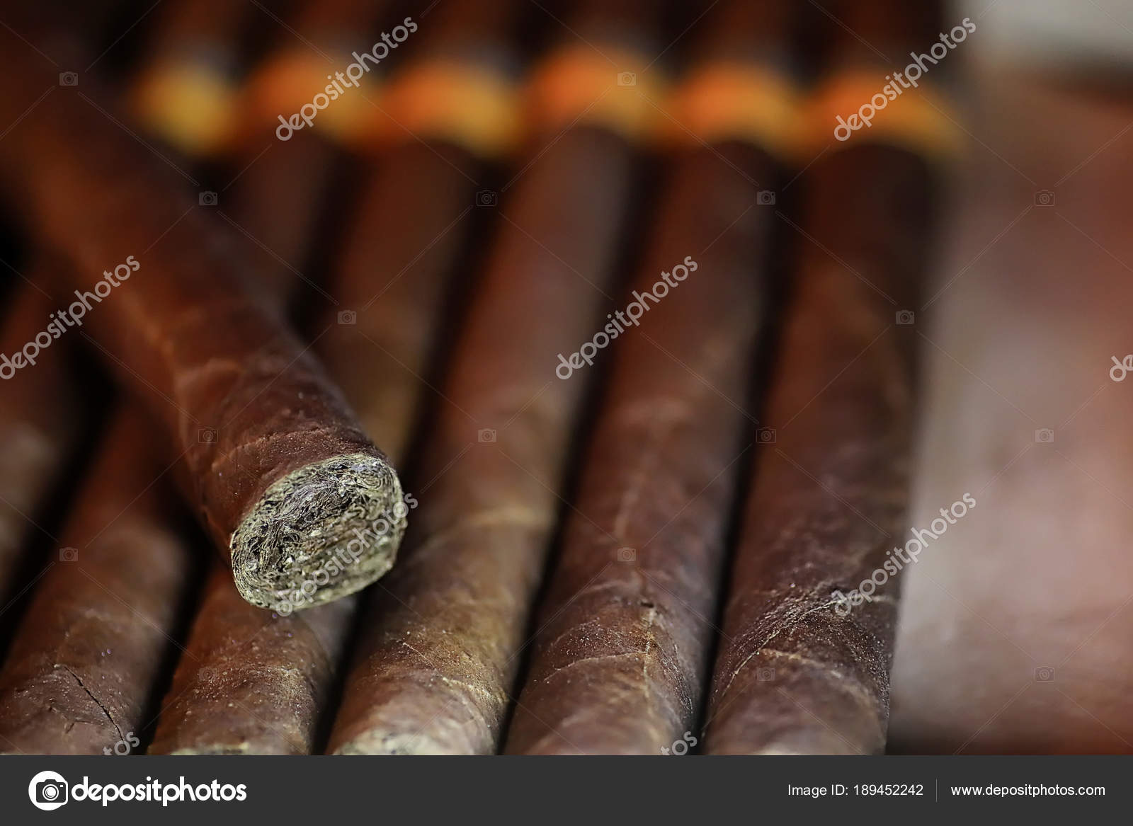 large wooden box of cigars handmade Cuban — Stock Photo