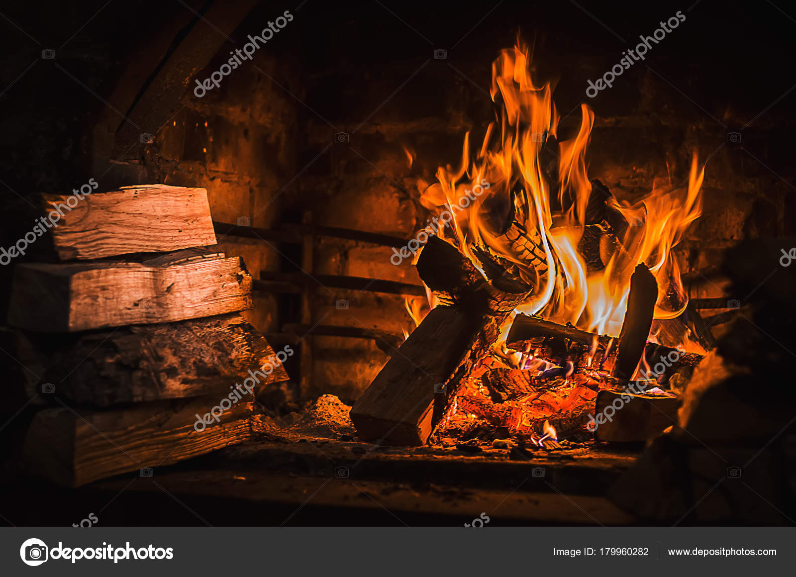 Burning Fire Open Fireplace Wooden Fuel Firewood Stockfoto