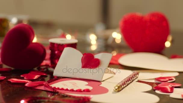 Geschenkbox und Valentinstag
