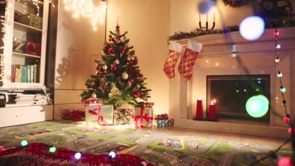 Dekorierte Wohnzimmer am Silvester-Abend