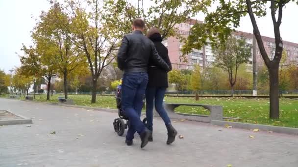 Поцелуй пальцев на ноге видео, фото девушек свингеров
