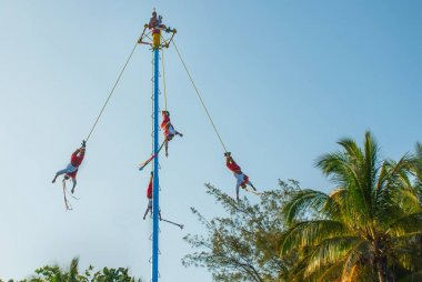 Playa del Carmen, Mexico, Riviera Maya: Dance of Los Voladores the Totonac, performing ancient ritual
