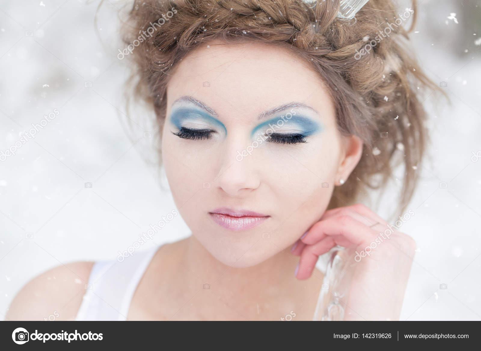 Hiver Femme La Reine Des Neiges Photographie Bluehorsepl