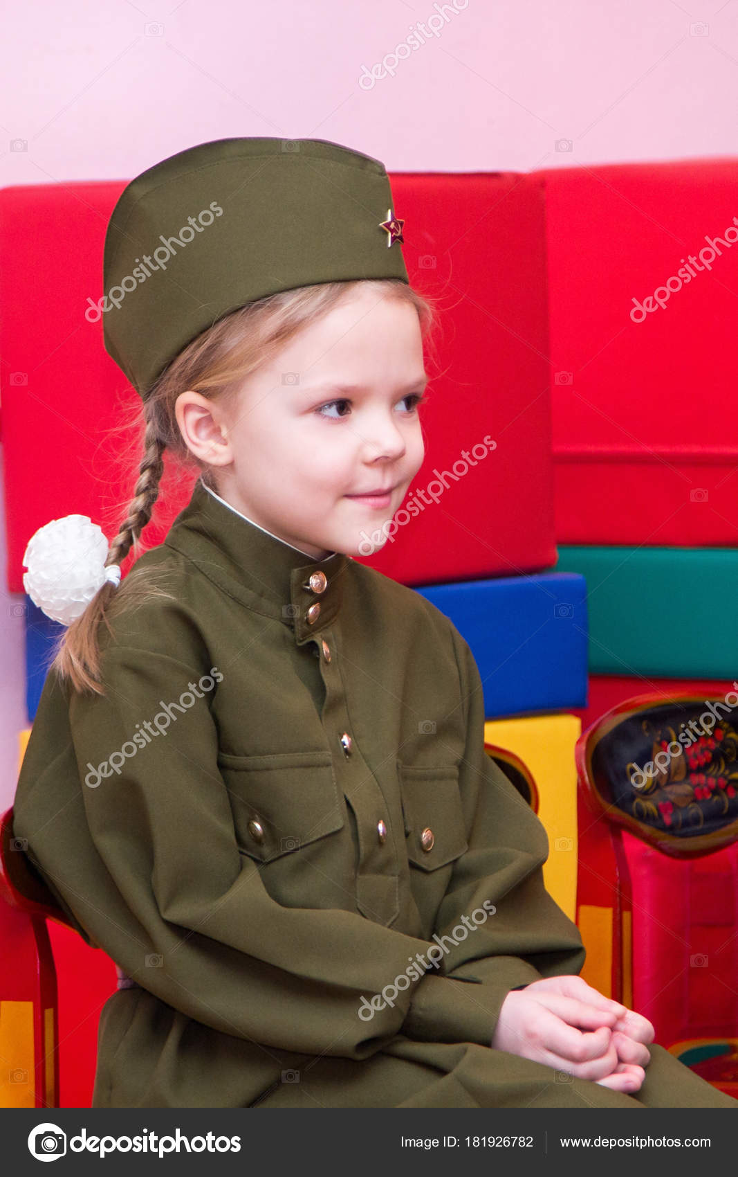 ea3cdb58c Little girl in the Soviet military uniform and cap — Stock Photo ...