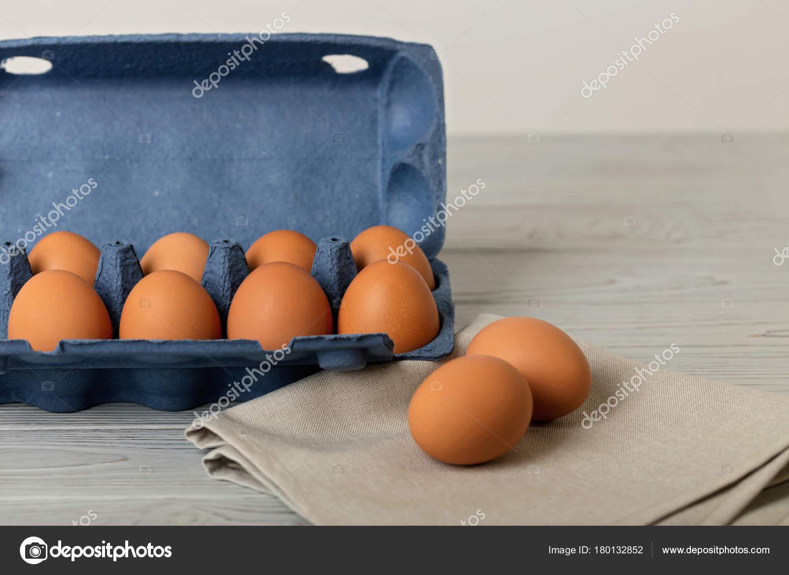 Bir toplu paket içinde tavuk