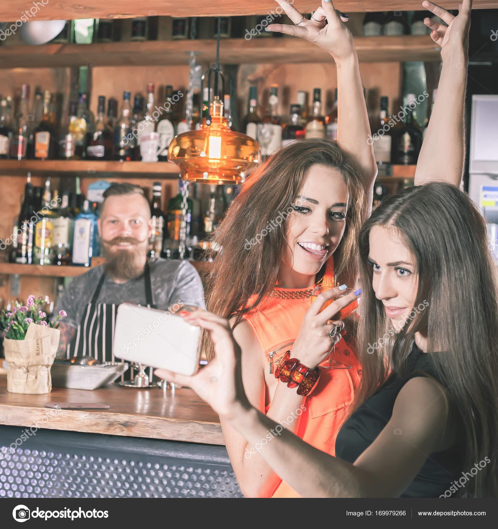 Job club strip bartending at