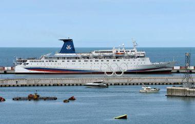 large passenger liner