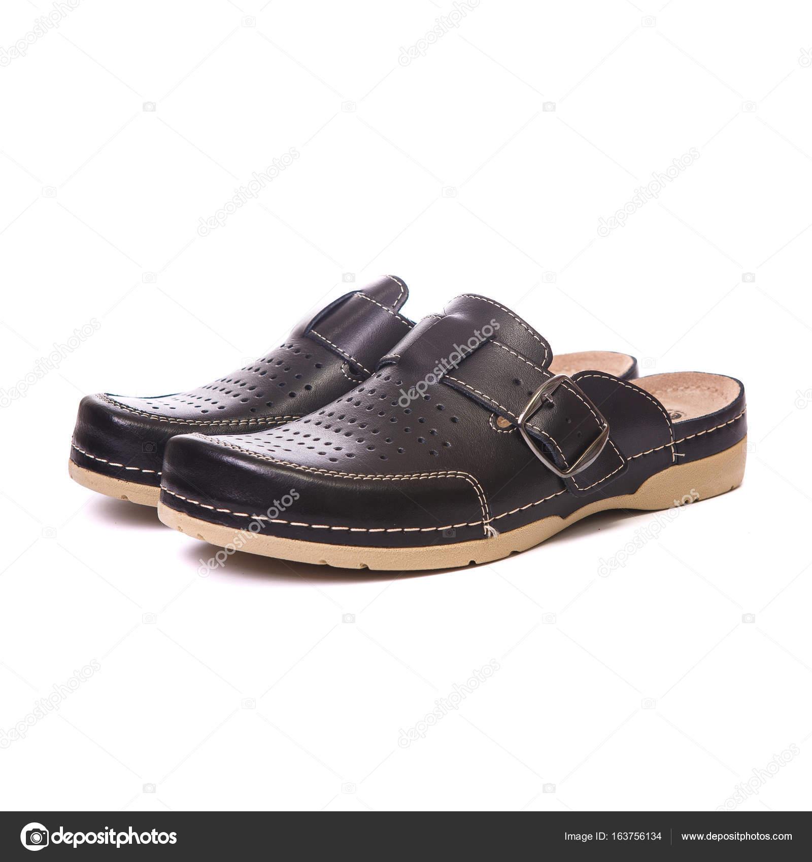 Orthopädische Schuhe für männliche weiße isoliert Hintergrund — Stockfoto f6a9bbe9da
