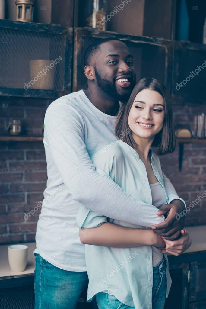 Blandade Race killar dating