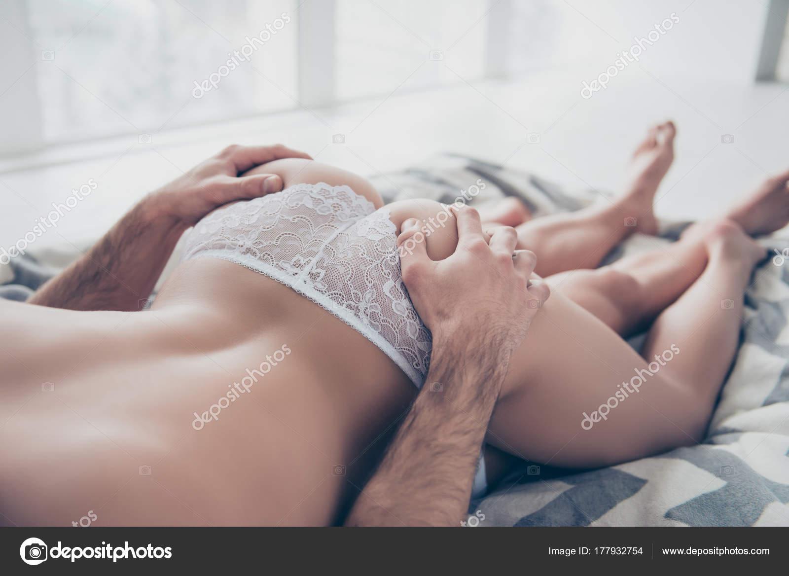Секс задницы руками — photo 15