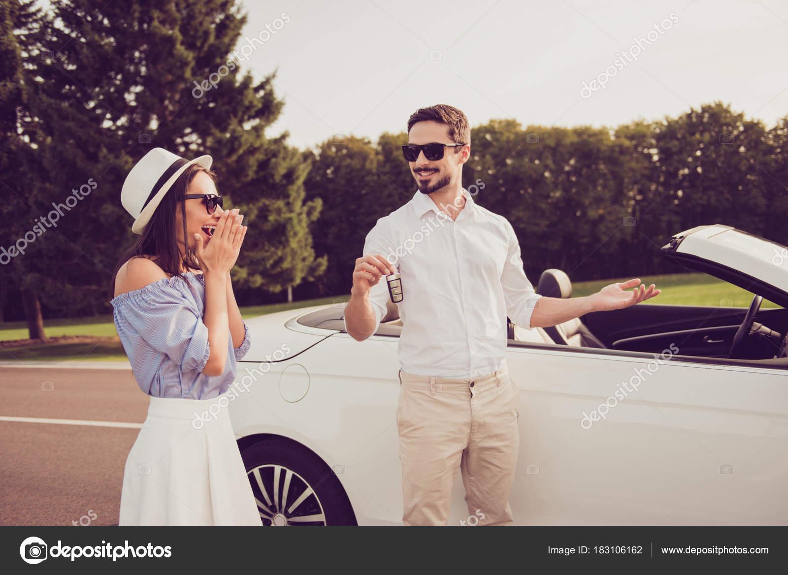 как подарить автомобиль жене рено дастер без кредита