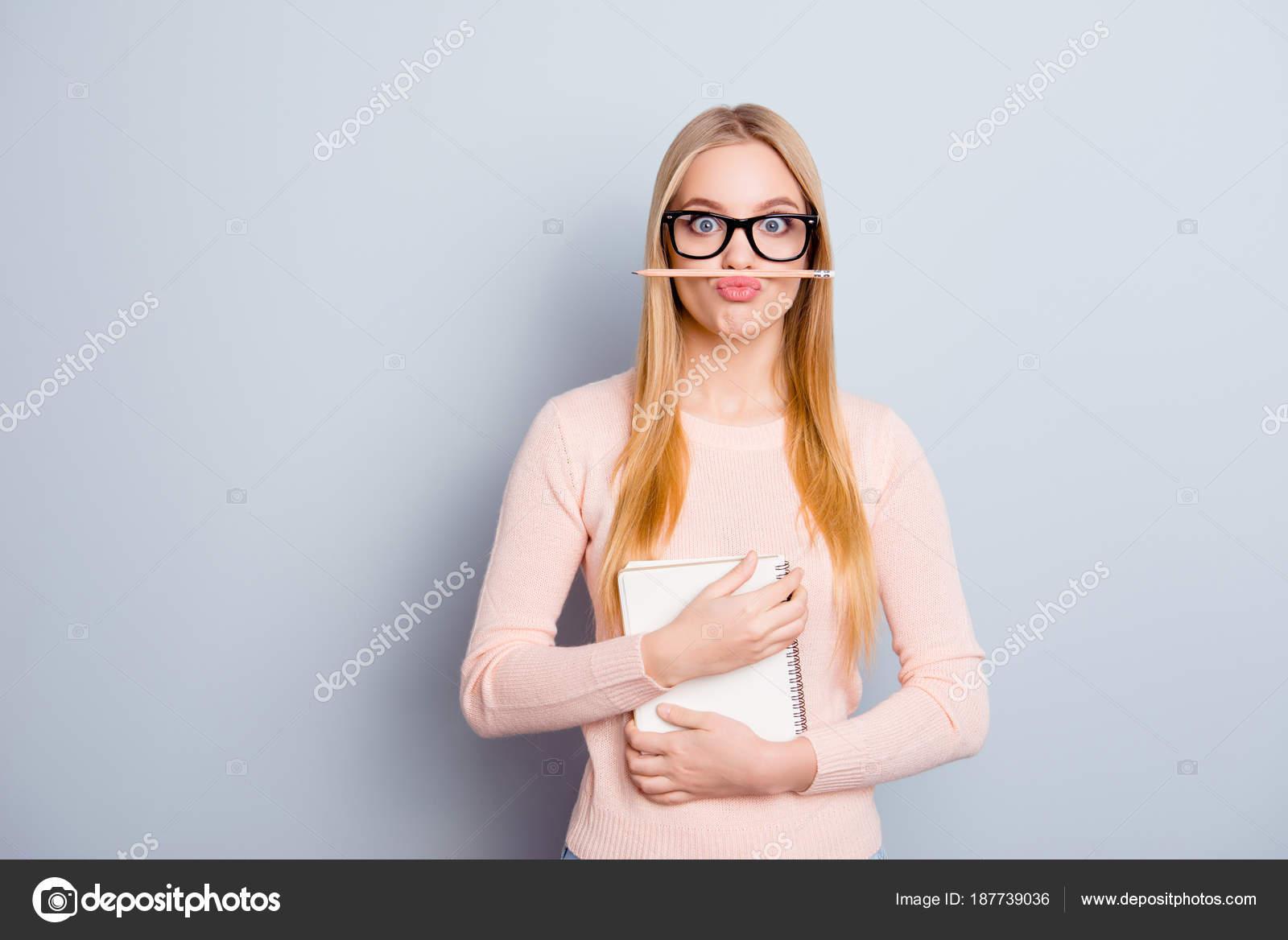Τα κορίτσια με σφιχτό pussys