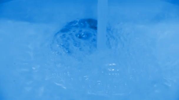 Kezét-medence spray hab, buborék, mosson kezet a luxus csaptelepek WC-k.