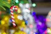 Vánoční dekorace na dřevěný stůl s rozmazané pozadí světle