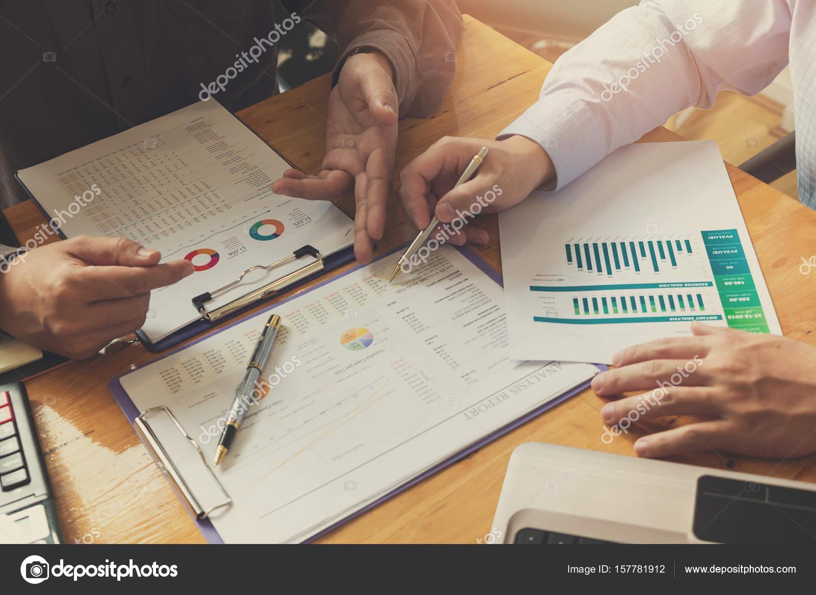 Ingenieur und Architekt Konzept, Ingenieur-Architekten-Büro-Team ...
