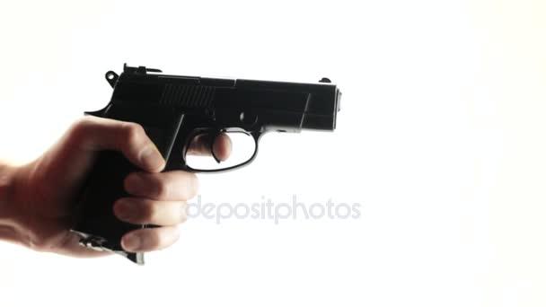 Kéz-a fegyvert, nyomja meg a ravaszt