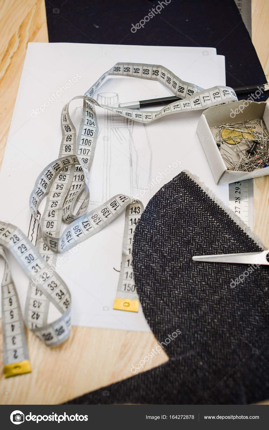 herramientas de taller de costura — Fotos de Stock © alipko #164272878